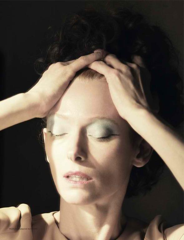 Фэшн-видео с Тильдой Суинтон и еще 10 модных съемок актрисы. Изображение № 34.