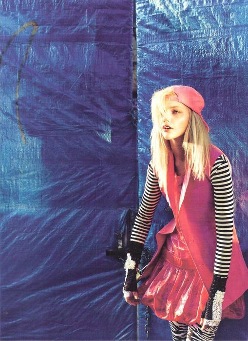 Vogue UK: Word OnThe Street. Изображение № 8.
