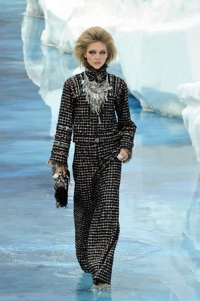 Ледяное шоу от Chanel. Изображение № 13.
