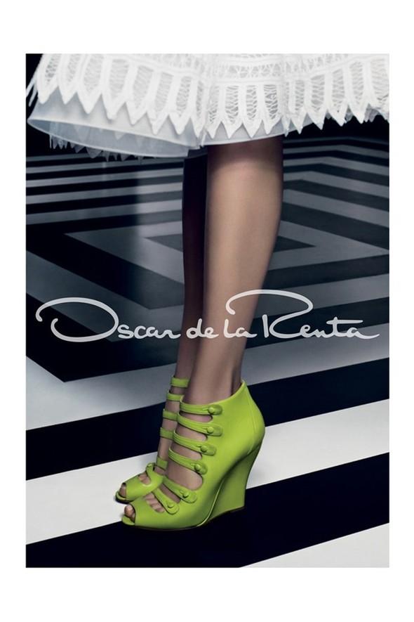 Превью кампаний: Calvin Klein и Oscar de la Renta. Изображение № 6.