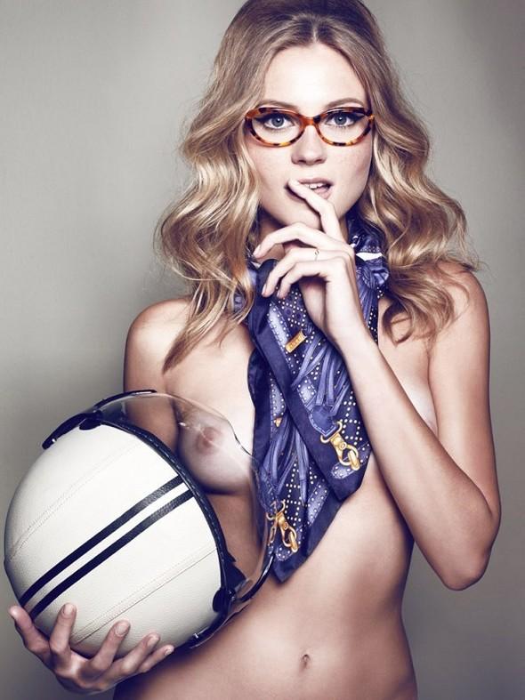 Съёмка: Шарлотт ди Калипсо для Vogue. Изображение № 5.