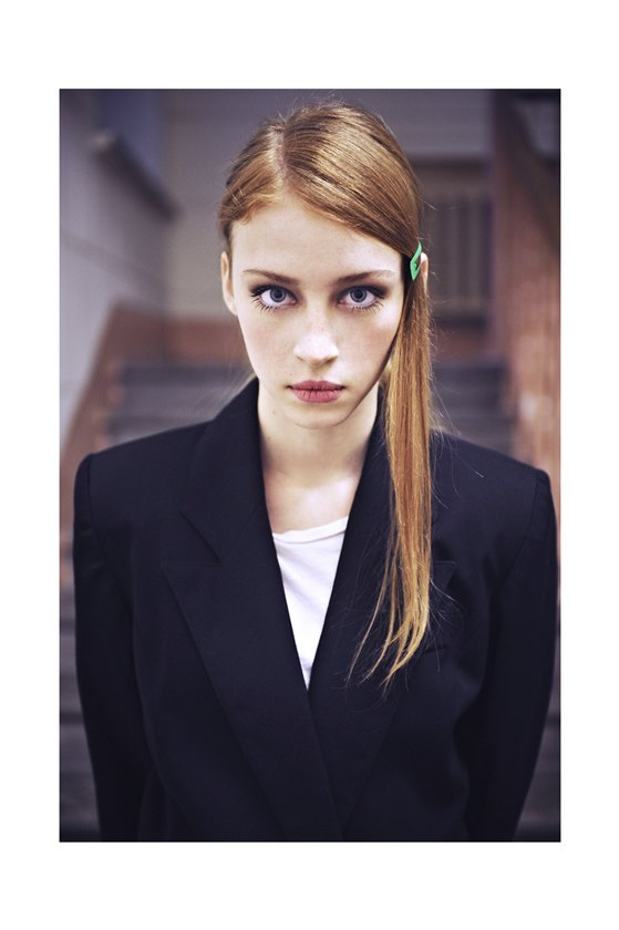 Chanel, Trends Brands и Urban Outfitters показали новые лукбуки. Изображение № 78.