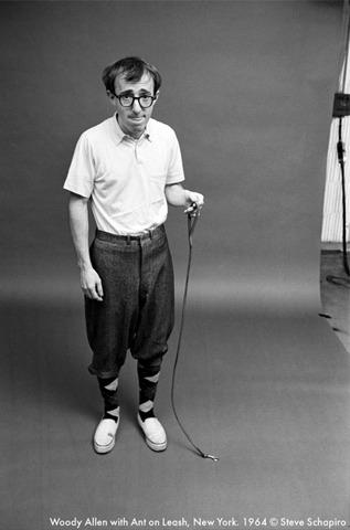 Вуди Аллен с муравьем на поводке, 1964. Изображение № 13.