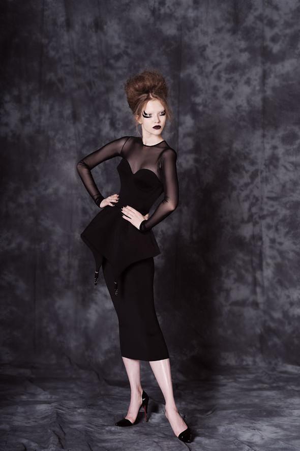 Фотограф: Aydan Kerimli; стиль: Bohemique; макияж: Андрей Шилков; волосы: Наталья Коваленкова; модель: Саша Лусс.. Изображение № 11.