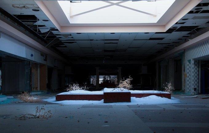 Фото: заброшенный торговый центр в США. Изображение № 10.