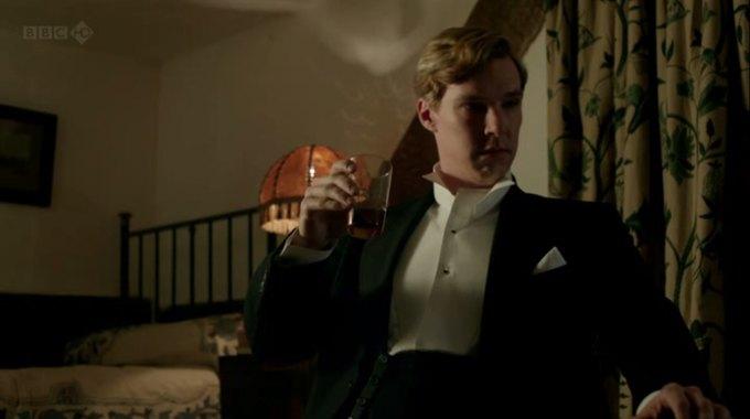 Бенедикт Камбербэтч  выпивает. Изображение № 19.