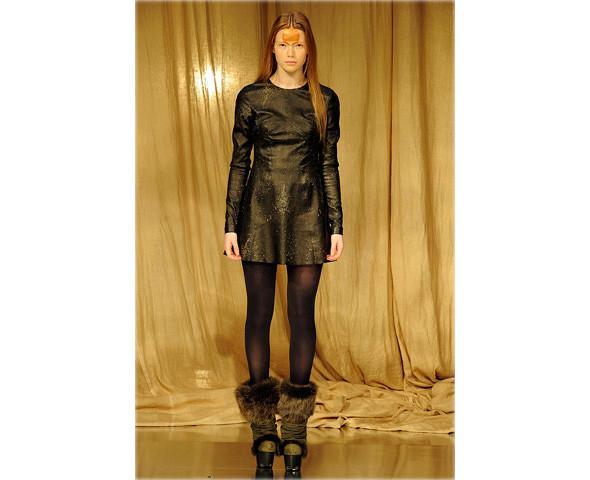 Новые коллекции: Acne, Dior, Moschino, Viktor & Rolf. Изображение № 47.