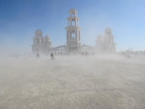 Burning Man 2011. Пыль и шарики. Изображение № 1.