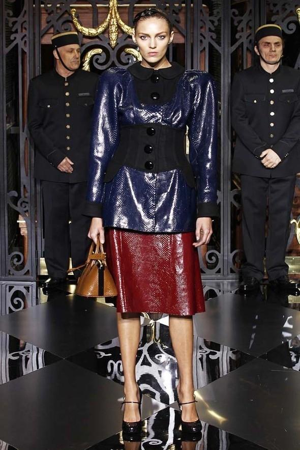 Изображение 27. Louis Vuitton Fall 2011.. Изображение № 27.
