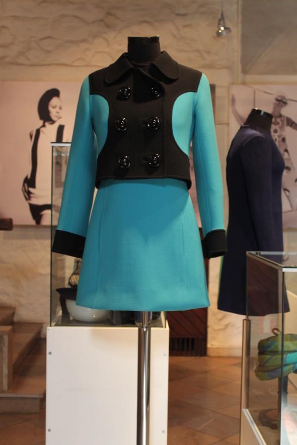 От мини до макси. Мода 60-тых годов 20 века. Изображение № 21.