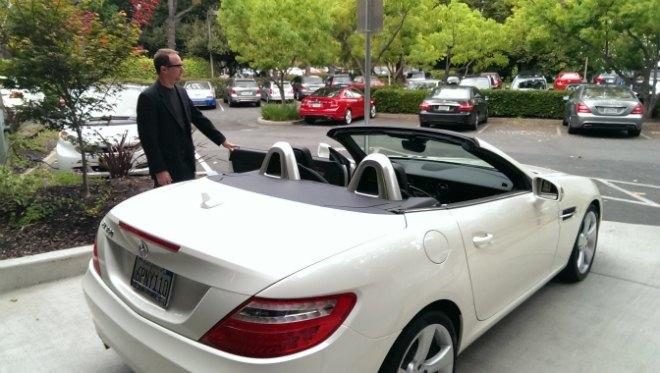 Mercedes интегрирует Google Glass в систему навигации. Изображение № 1.