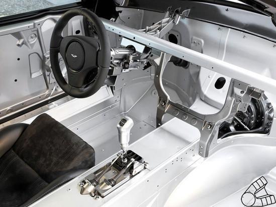 Вскрытие спортсмена-джентельмена. Aston Martin изнутри. Изображение № 3.