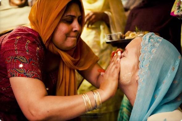 Надя иЧаранджит – Индийская сказка. Изображение № 14.
