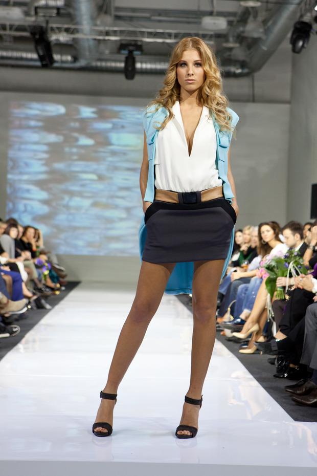 В рамках MBFW успешно прошел показ дизайнера Юлии Далакян. Изображение № 3.