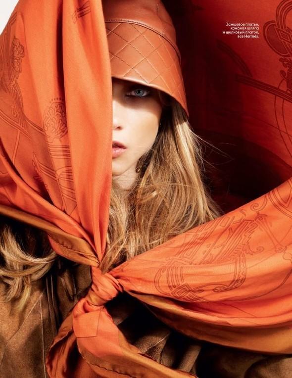 Съёмка: Анна Селезнева для российского Vogue. Изображение № 6.