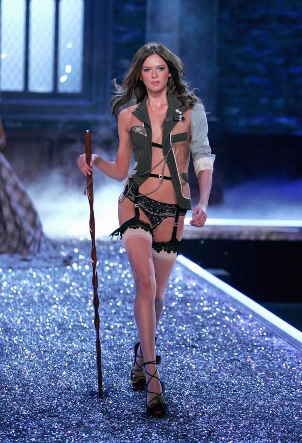 Victoria's Secret Lingerie Fashion Show 2008. Изображение № 8.