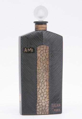 Самые красивые флаконы парфюма. Изображение №18.