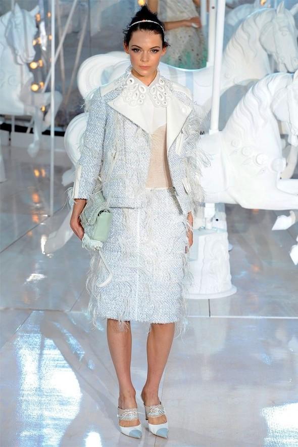 Неделя моды в Париже: Louis Vuitton весна 2012. Изображение № 40.