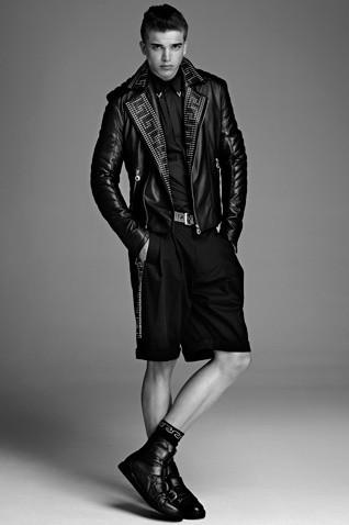 Появились полный каталог, лукбук и цены на коллекцию Versace для H&M. Изображение № 9.