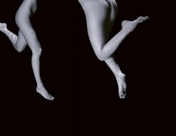 Части тела: Обнаженные женщины на фотографиях 1990-2000-х годов. Изображение №165.