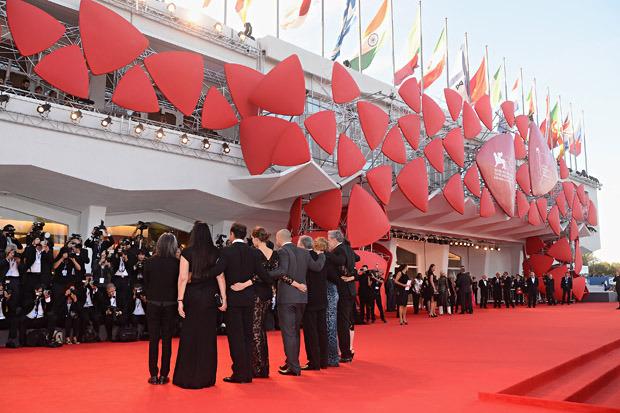 Победители и проигравшие: За что хвалят и ругают фильмы Венецианского кинофестиваля. Изображение № 15.