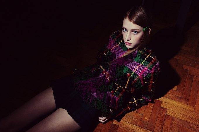 Chanel, Trends Brands и Urban Outfitters показали новые лукбуки. Изображение № 80.