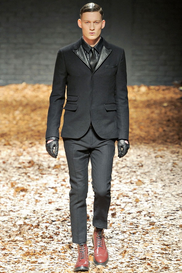 Лукбук McQ by A. McQueen F/W 2012-13, Женская и мужская коллекции. Изображение № 35.