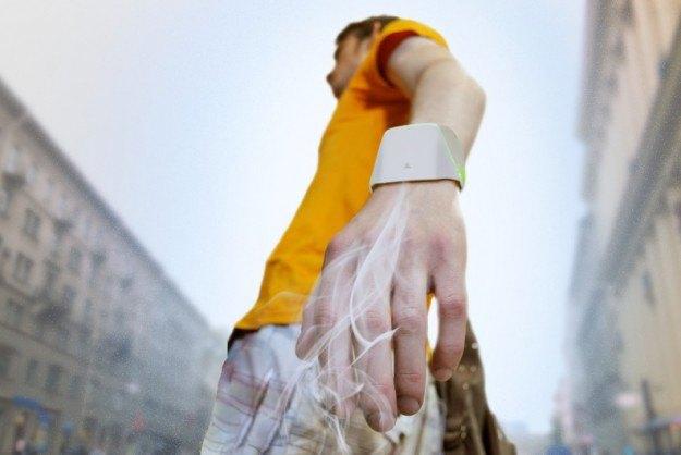 Российский студент придумал браслет для очистки воздуха. Изображение № 1.