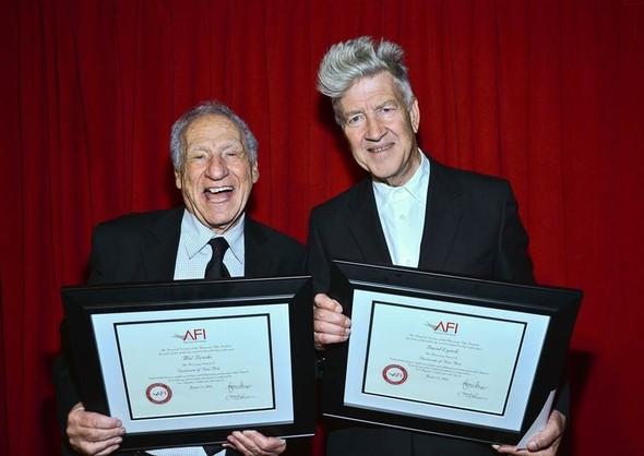 Дэвид Линч и Мел Брукс получили студенческие дипломы. Изображение №2.