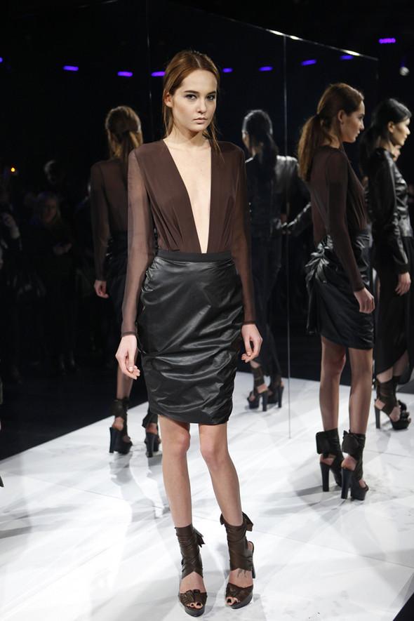 Изображение 11. Кира Пластинина показала новую коллекцию на неделе моды в Нью-Йорке.. Изображение № 11.