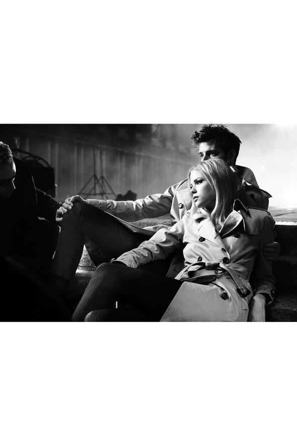 Кампании: Dior, Versace, Gucci и Burberry. Изображение № 48.
