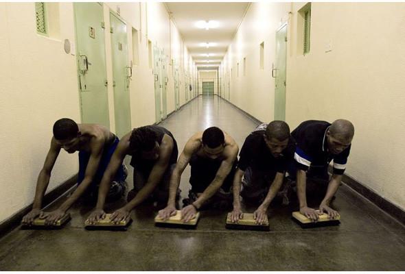 Преступления и проступки: Криминал глазами фотографов-инсайдеров. Изображение №163.