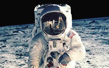 NASA выложили онлайн фотоисторию миссии «Аполло». Изображение № 1.