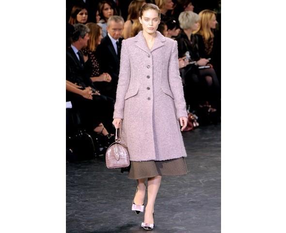 Можно все: Модели на показе Louis Vuitton. Изображение № 6.