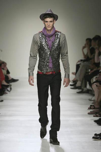 Moschino : шутник ихулиган итальянской моды. Изображение № 30.