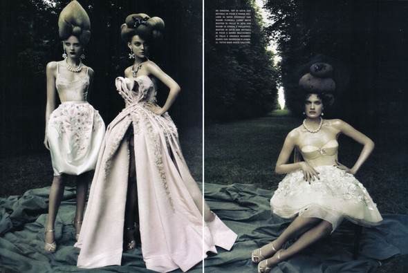 A Dream Of A Dress. Vogue Italia September 2009. Изображение № 12.