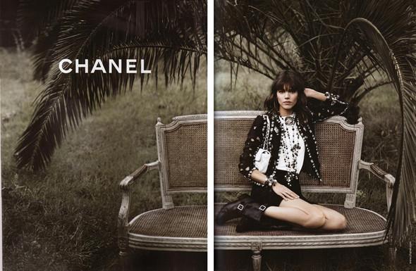 Изображение 8. Превью кампаний: Burberry, Chanel, Gucci и другие.. Изображение № 3.