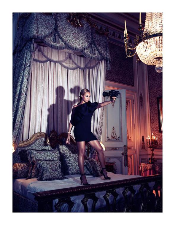 Съёмка: Бейонсе для Harper's Bazaar. Изображение № 2.