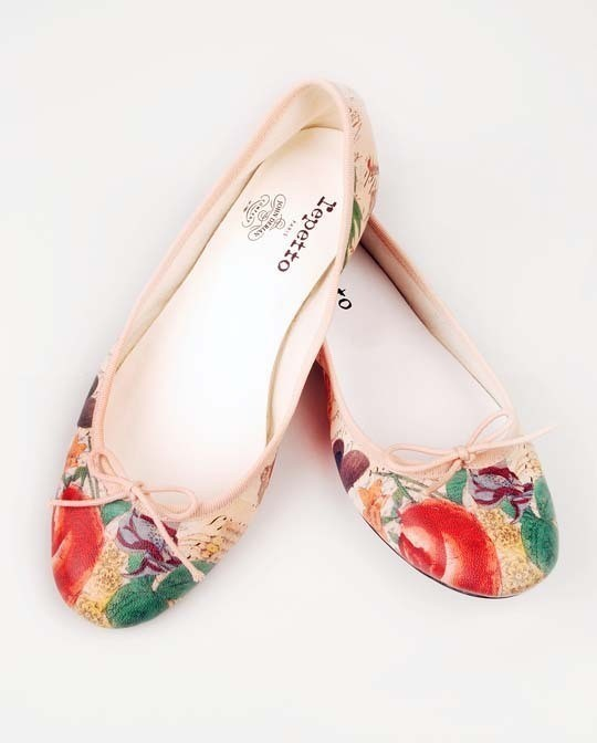 Изображение 3. Джон Дериан разработал коллекцию балеток для Repetto.. Изображение № 1.