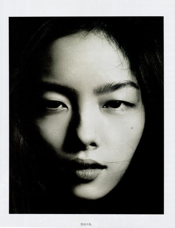 Съёмка: Лю Вэнь и Сунь Фэй Фэй для Vogue. Изображение № 3.
