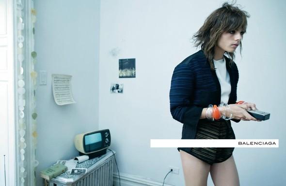 Кампания: Стивен Майзел для Balenciaga SS 2012. Изображение № 10.