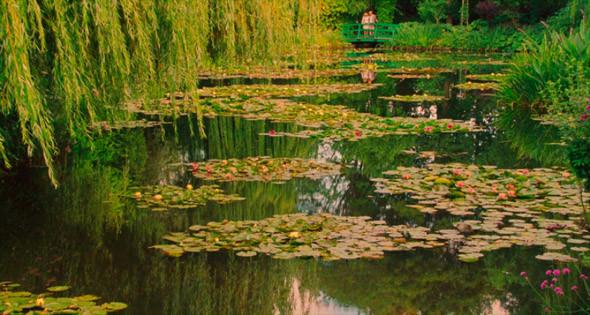 6. Musée des impressionnismes Giverny  Дом-музей Клода Монэ в местечке Живерни в часе езды от Парижа, с собранием его работ и выдающимся садом, с которого срисованы его знаменитые «Кувшинки».. Изображение №78.