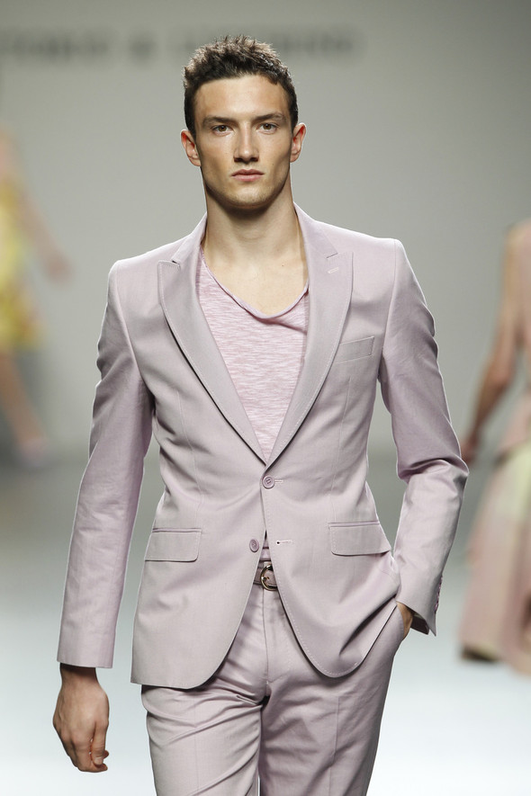 Madrid Fashion Week SS 2012: Victorio & Lucchino. Изображение № 3.