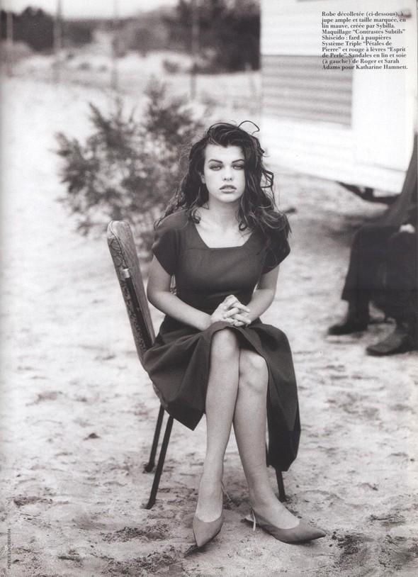 Архивная съёмка: Мила Йовович для Vogue, 1990. Изображение № 3.