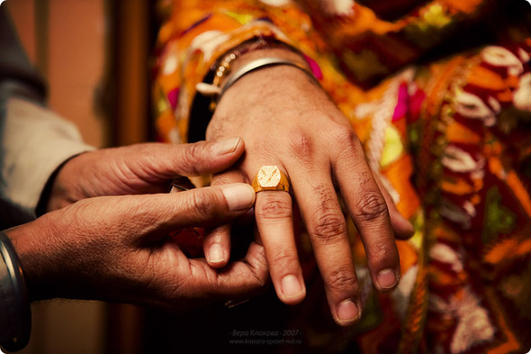 Надя иЧаранджит – Индийская сказка. Изображение № 38.
