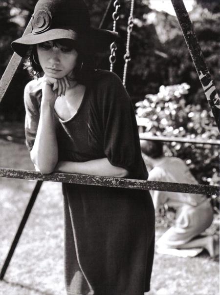 Ольга Куриленко вретро-фотосессии дляVogue Italia. Изображение № 10.