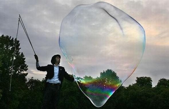 Самый большой вмире мыльный пузырь. Изображение № 4.