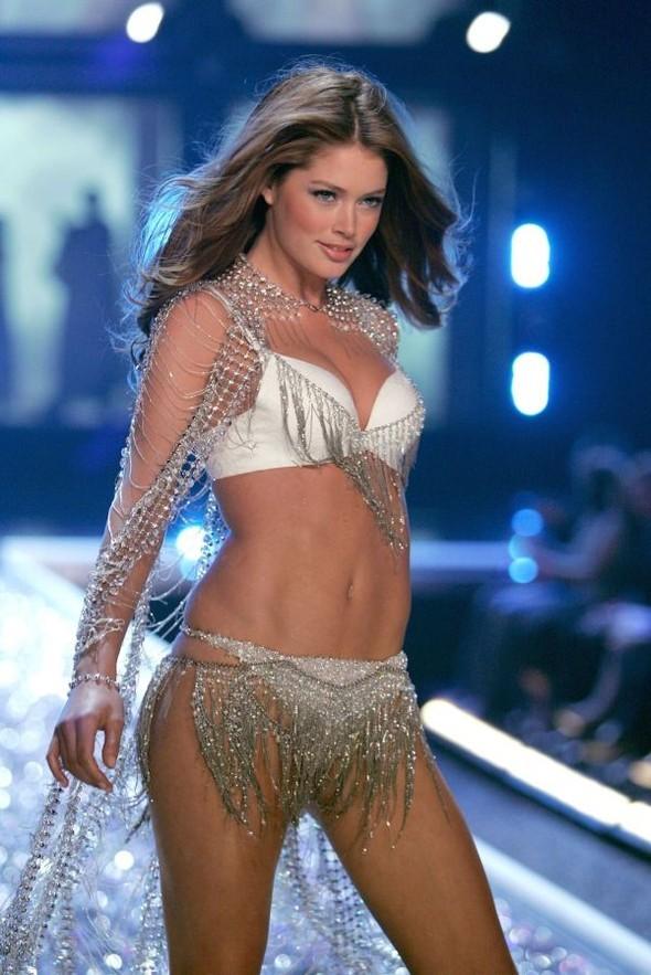 Victoria's Secret Lingerie Fashion Show 2008. Изображение № 31.