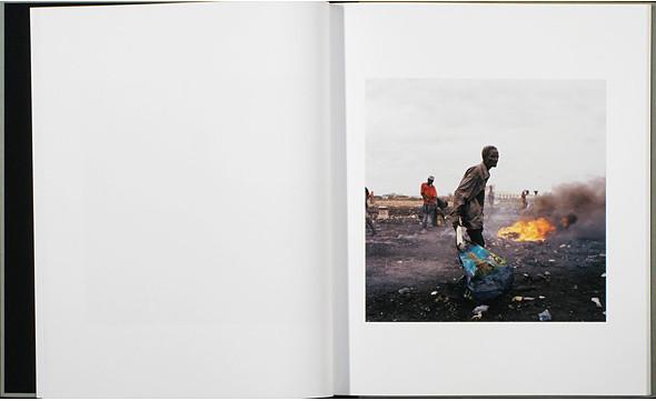 12 альбомов фотографий непривычной Африки. Изображение № 81.