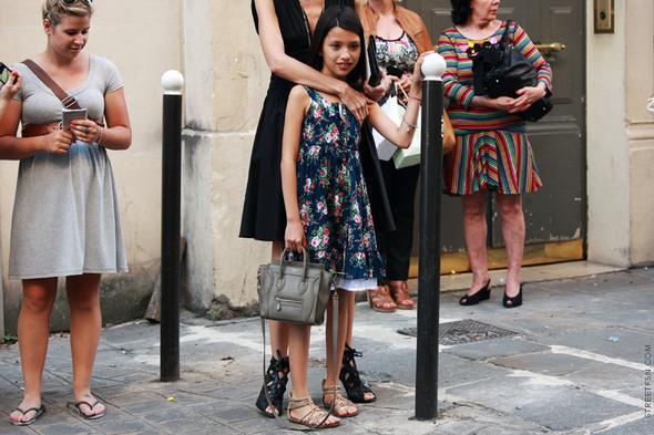 Уличный стиль на Неделе высокой моды в Париже. Изображение № 104.